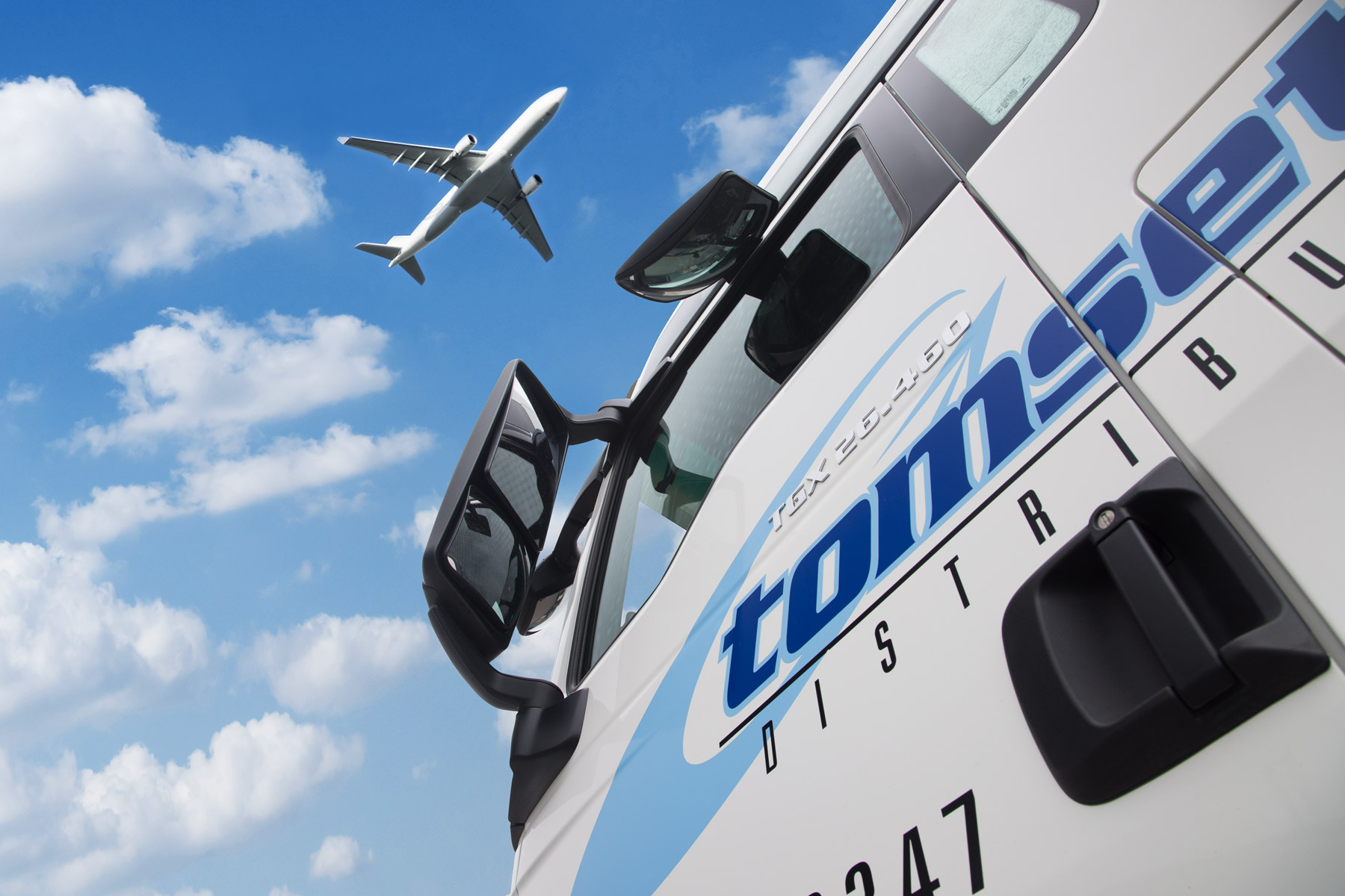 Tomsetts air freight services allow for one-stop worldwide distribution .