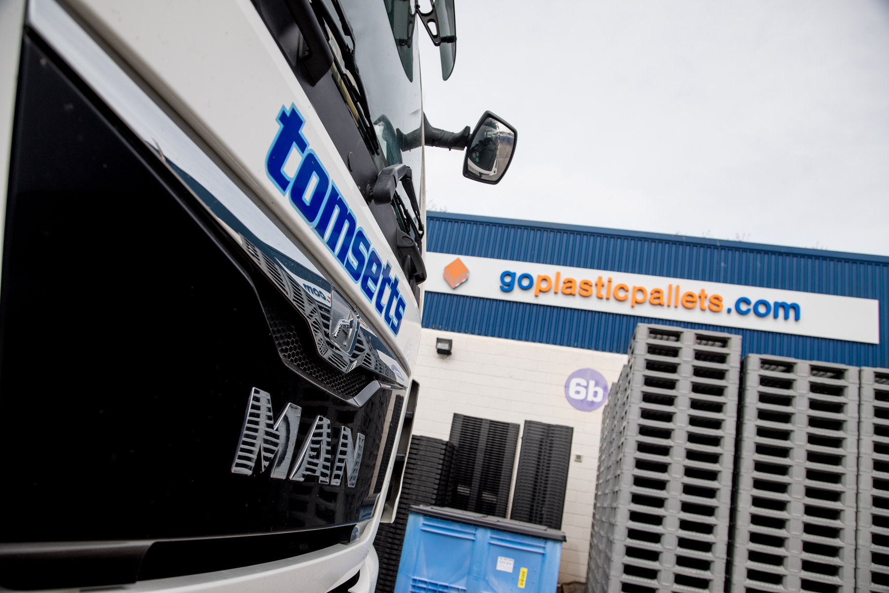 A tomsetts lorry is pictured picking up pallets for distribution across the UK and Europe.