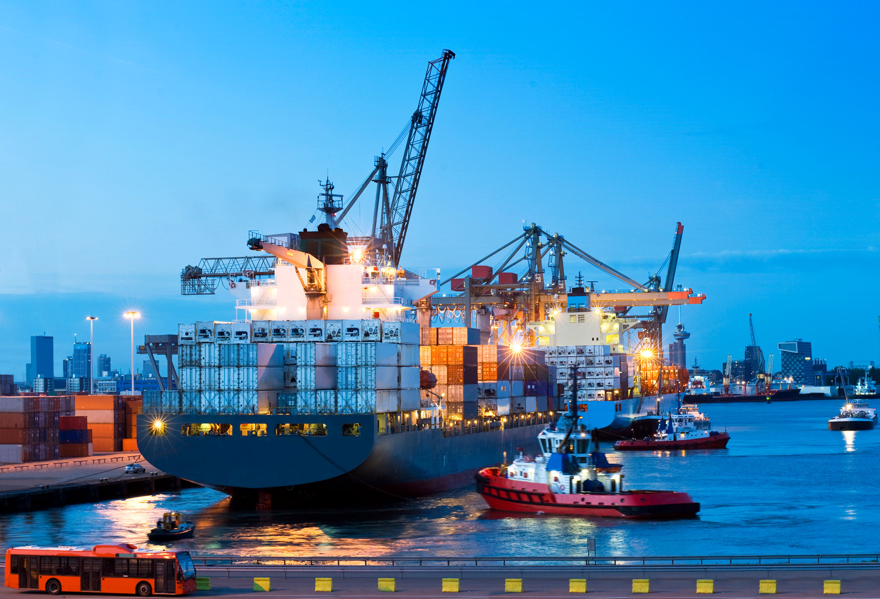 Tomsetts pallet distribution offer worldwide sea freight services and pallet shipping.